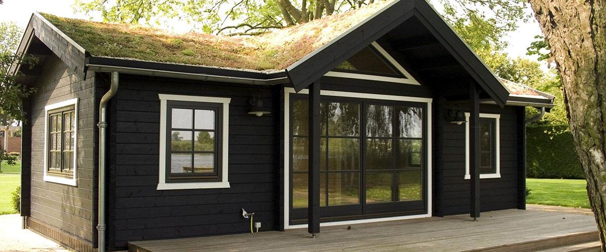 Монтаж окна в летнем дачном домике